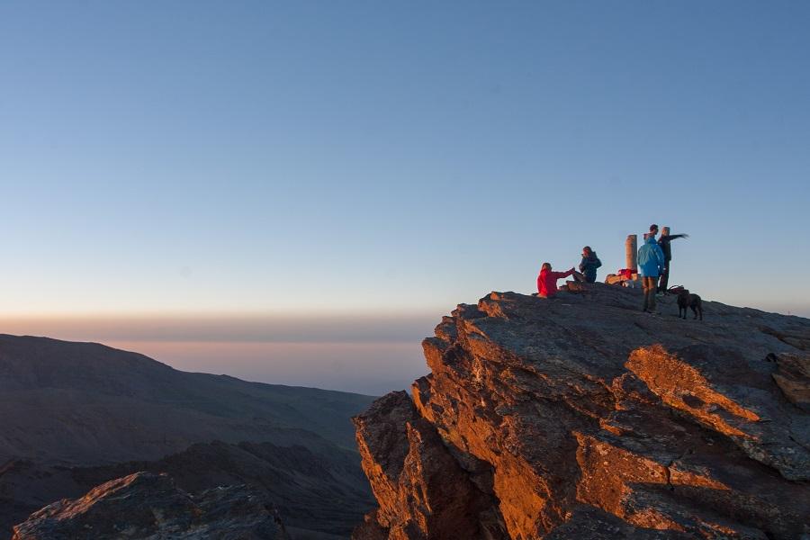 Una Montaña Nevada: Sierra Nevada Se Fortalece Tras Una Exitosa Temporada De