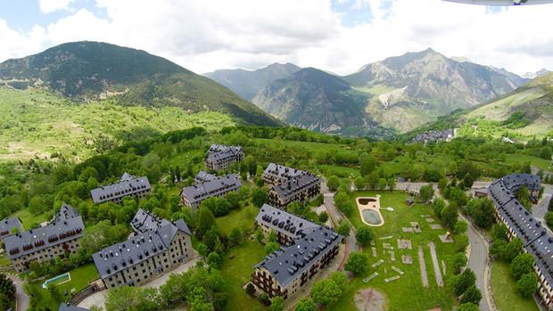 Mart rafel ficha por nozar para impulsar bo ta ll resort lugares de nieve - Apartamentos boi taull resort ...