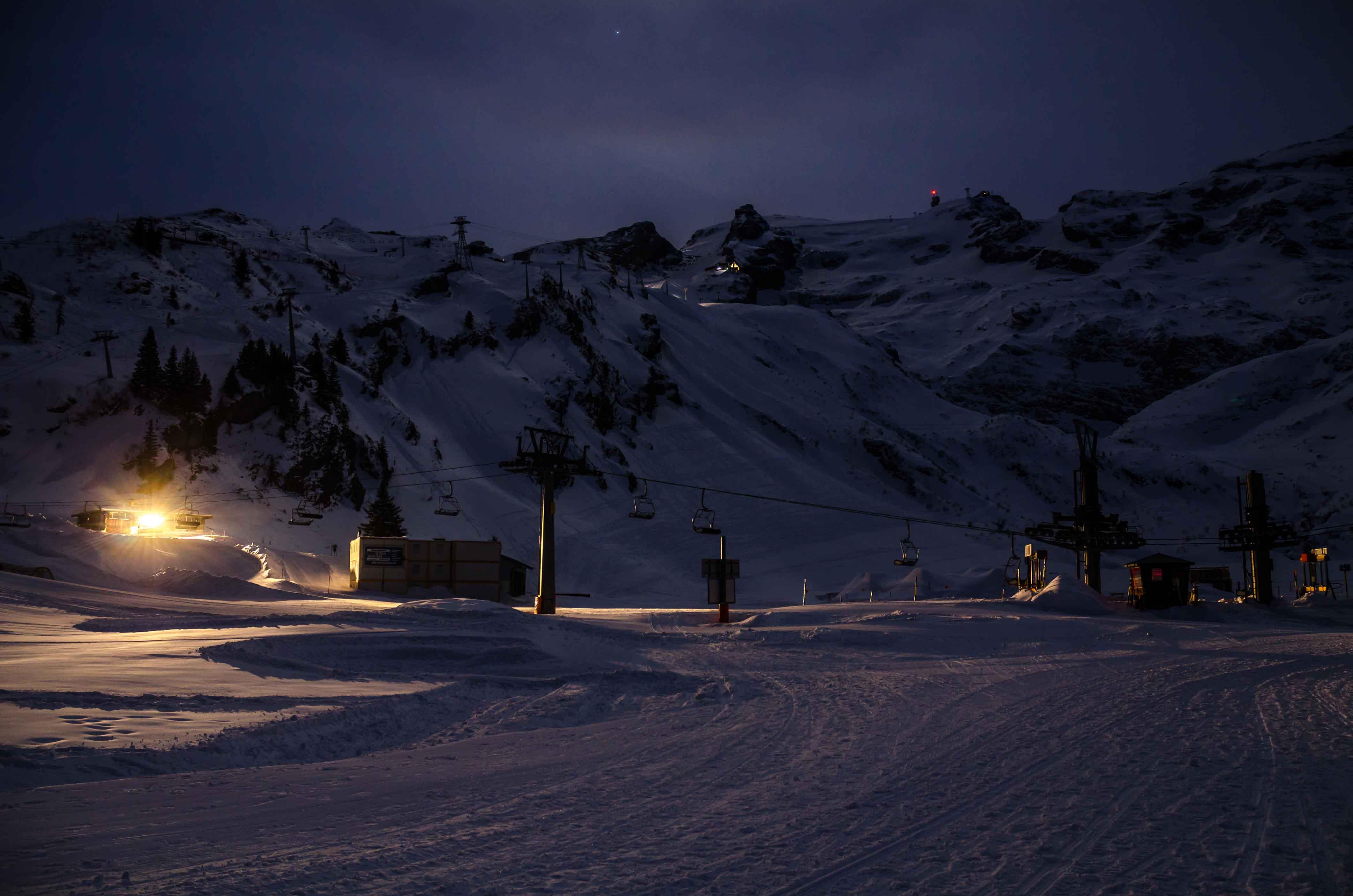 estacion engelberg de noche