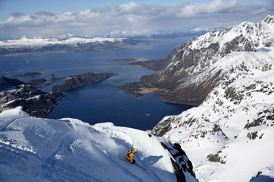 Esqu de monta a en los fiordos de lofoten una aventura for Oficina de turismo de noruega