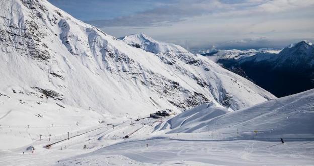 14 estaciones de la Península para esquiar este fin de semana con mucha nieve primavera