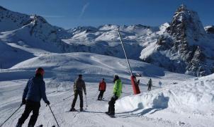 El 'Reino de Aramón' despide el mes de febrero con 2 metros de nieve y sol
