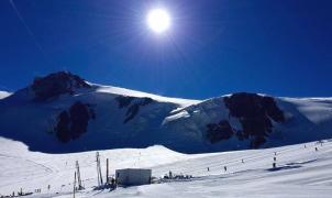 Cervinia abre su esquí de verano, la puerta trasera y más barata para acceder a Zermatt