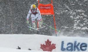 Cornelia Huetter vuela en el descenso de Lake Louise y consigue la victoria