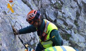 La Guardia Civil de Huesca rescata a dos montañeros en el pico del Alba