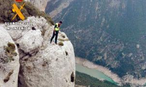 Un joven fallece al precipitarse por una pared de 400 metros en Montrebei