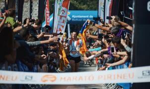 Kilian Jornet vuela en casa hasta la victoria y el récord en la Marató Pirineu