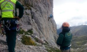 13 complicadas horas para rescatar a dos vigueses en los Picos de Europa