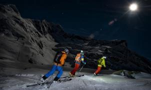 Se encuentran con el cable de una pisa-pistas y se salvan de milagro cuando hacían Skimo nocturno