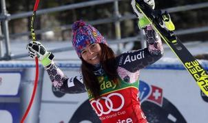 Tina Weirather domina y gana en Lake Louise en otro mal día de Lindsey Vonn