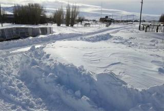 Rutas cortadas por las intensas nevadas que azotan Chubut
