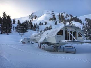 Sugar Bowl en California llega al récord de 19,1 metros de nieve acumulada