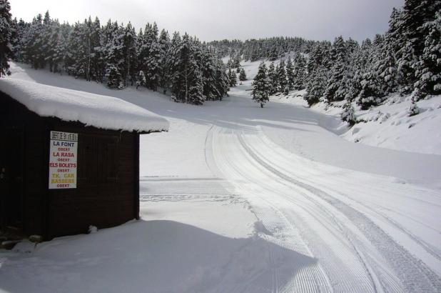 Aspecto de la zona de Estivella en Port del Comte después de la nevada del 20 de enero del 2013