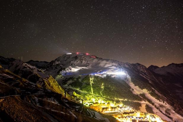 Espectacular foto nocturna de Baqueira Beret tomada por Marcos Laguna