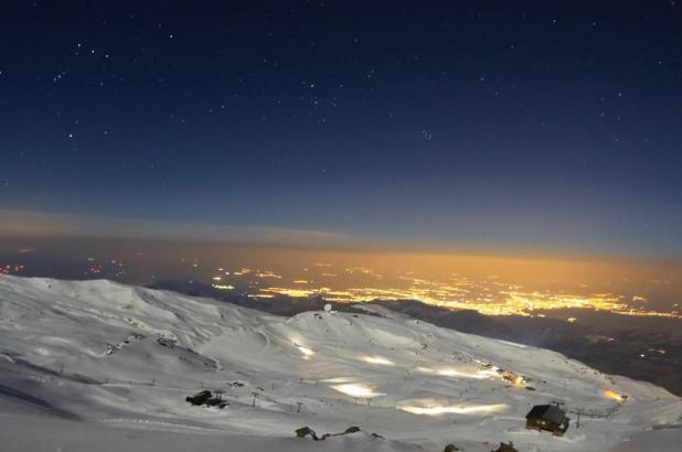 Imagen nocturna en Sierra Nevada, de whatstudio