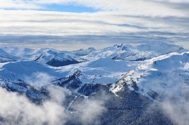 Panorámica de las montañas de Whistler en la Columbia Británica