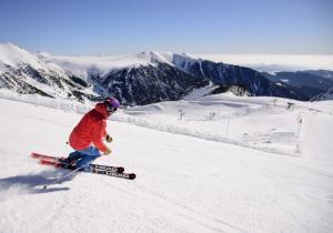Primavera, el gran momento para aprender a esquiar en las estaciones de FGC