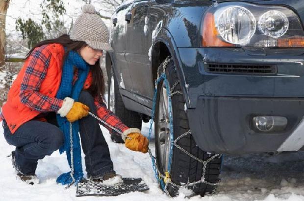 La nieve y el hielo vuelven a liarla en las carreteras de Andorra