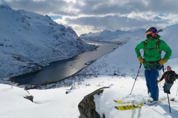 Lofoten es el destino de los esquiadores que persiguen trazar líneas imaginarias sobre la nieve