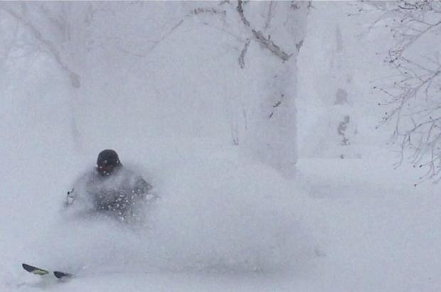 Volemos a esquiar a Niseko, un año después, para continuar disfrutando del mítico powder japonés