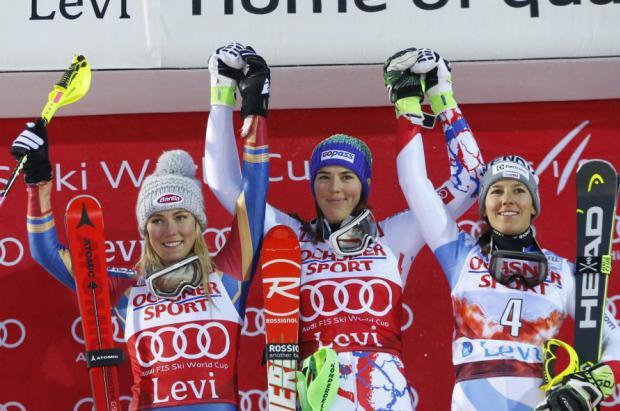 Petra Vlhova supera a Mikaela Shiffrin en el slalom de Levi