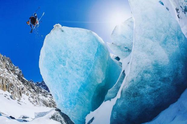 Jugando con los hielos del glaciar de Sam Favret