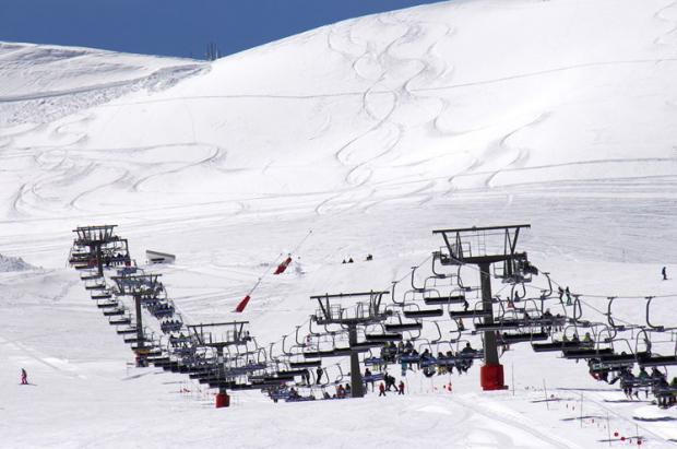 En Sierra Nevada la primavera funciona: registra 21.000 esquiadores durante el fin de semana