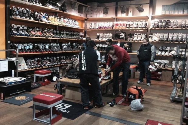 """Los comercios empiezan a 'cobrar por probar' las botas de esquí para evitar el """"showrooming"""""""