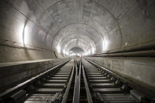 El túnel más largo del mundo entre Suiza e Italia preparado para entrar en escena