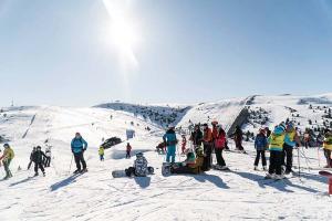 ¿Quieres esquiar en primavera? Puedes hacerlo hasta mayo sin moverte de la península