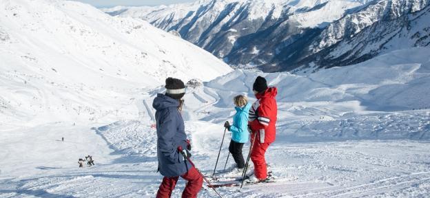 """Las estaciones de N'PY esperan atraer a muchos esquiadores españoles con sus """"rebajas"""" de enero"""