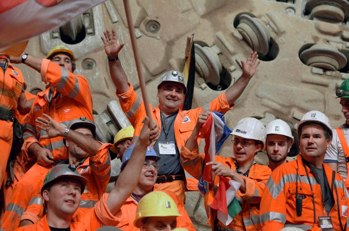 Celebración de la apertura del túnel ferroviario más largo del mundo en Gotthard Pass