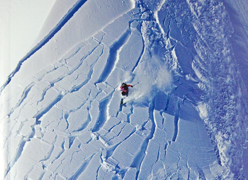 avalancha esquiador