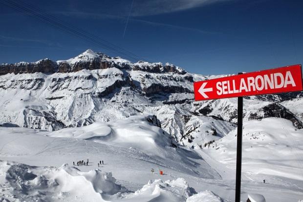 Hacer la Sellaronda es un clásico de los Alpes Dolomitas italianos