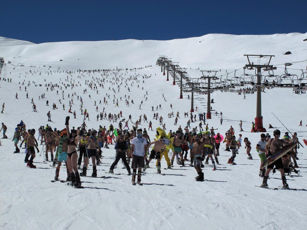 En De 500 Más Bañador Sierra La Esquiadores Participan Bajada FucK1JTl35