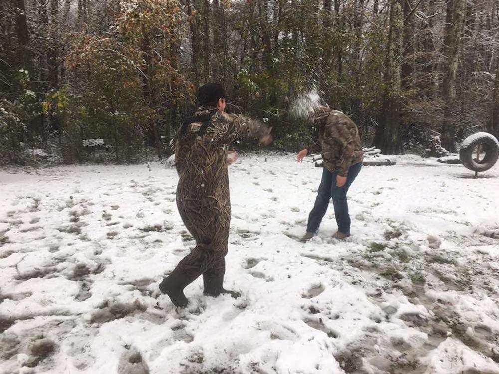 Tirar bolas de nieve deja de ser ilegal en Colorado gracias a un niño de 9  años | Lugares de Nieve