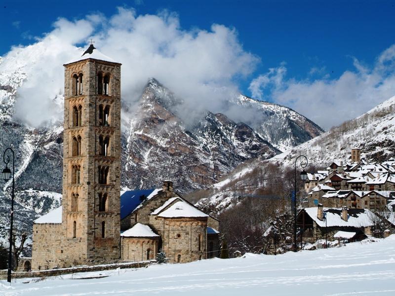 La iglesia románica de Sant Miquel de Taüll (Alta Ribagorça). Fuente: Francesc Tur