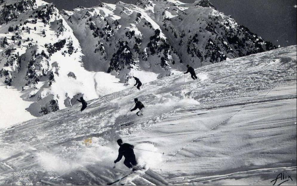 Esquiadores en La Mongie en los años 60. Folto Alix. Clic para ampliar