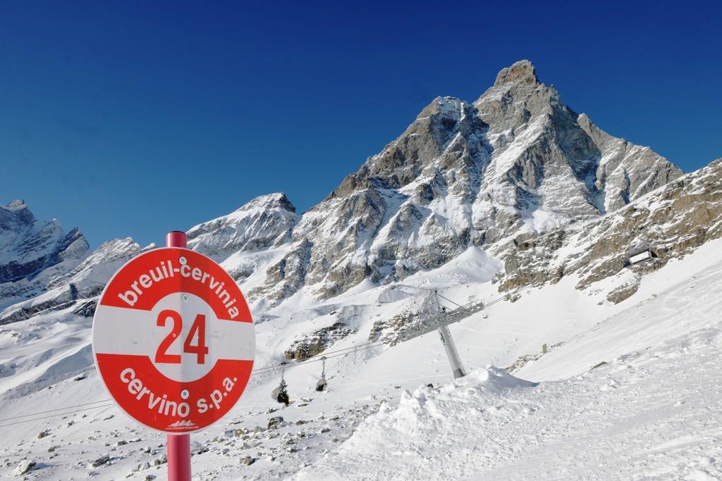 Italia, Valle de Aosta, Cervinia (Cervinia-Zermatt), breuil-cervinia-inicio-pista24