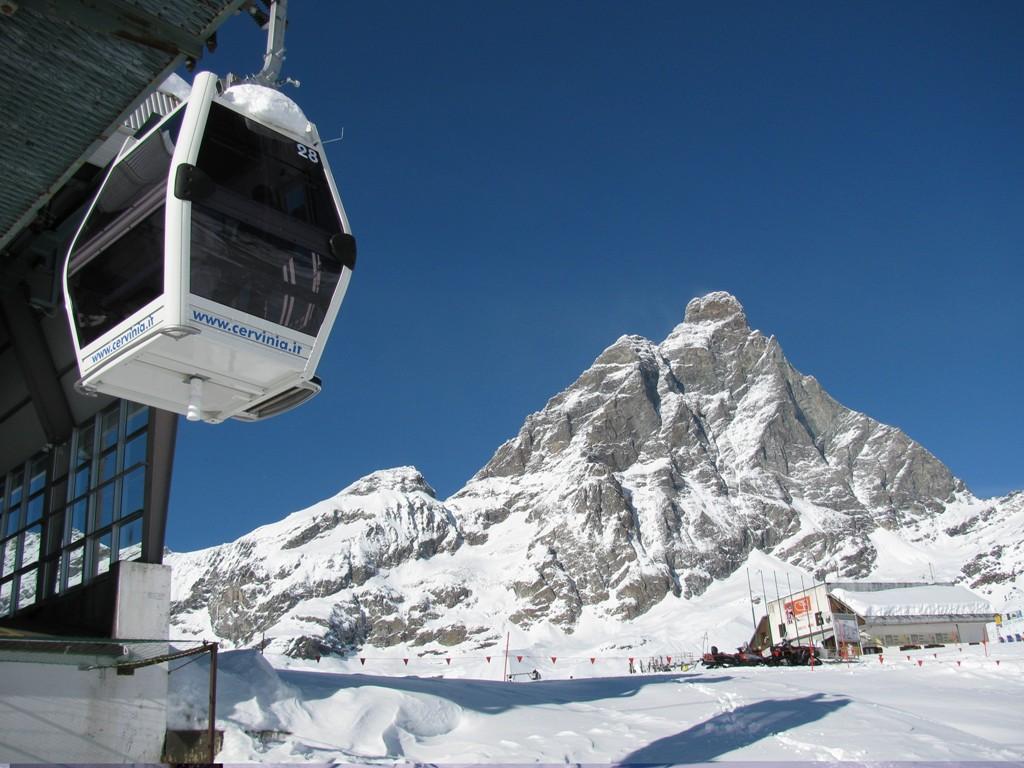 Italia, Valle de Aosta, Cervinia (Cervinia-Zermatt), Telecabina Plan Maison-Cime-Bianche