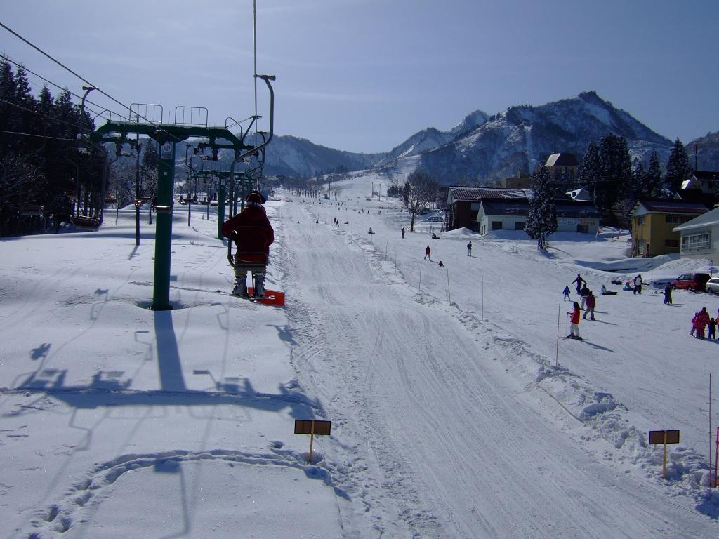 Subiendo en telesilla en Maiko Snow Resort