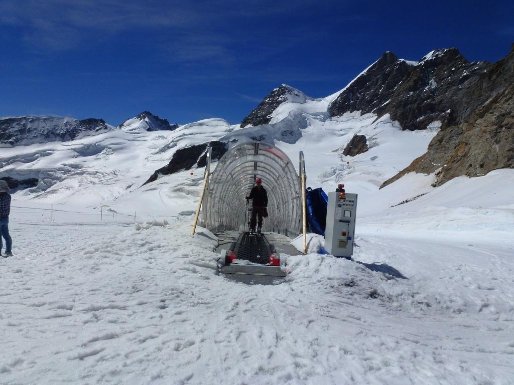 Imagen del remonte de la Jungfrau, imagen tomada el 22 de agosto 2013 por Lugares de Nieve