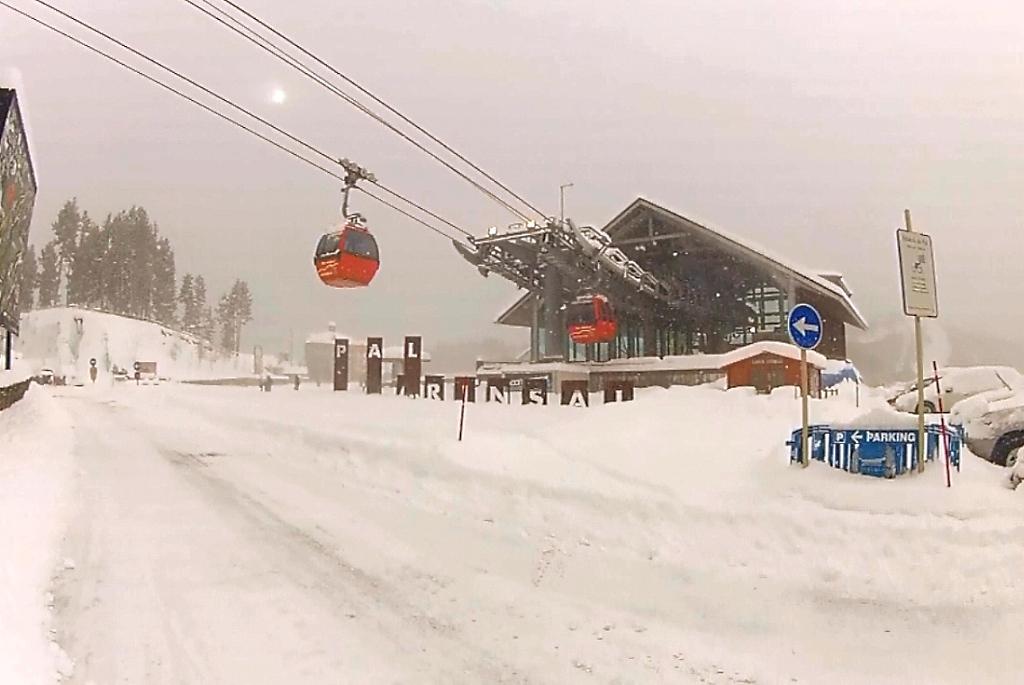 Imagen de Pal-Arinsal (Vallnord) despues de la nevada del 15 de enero 2013