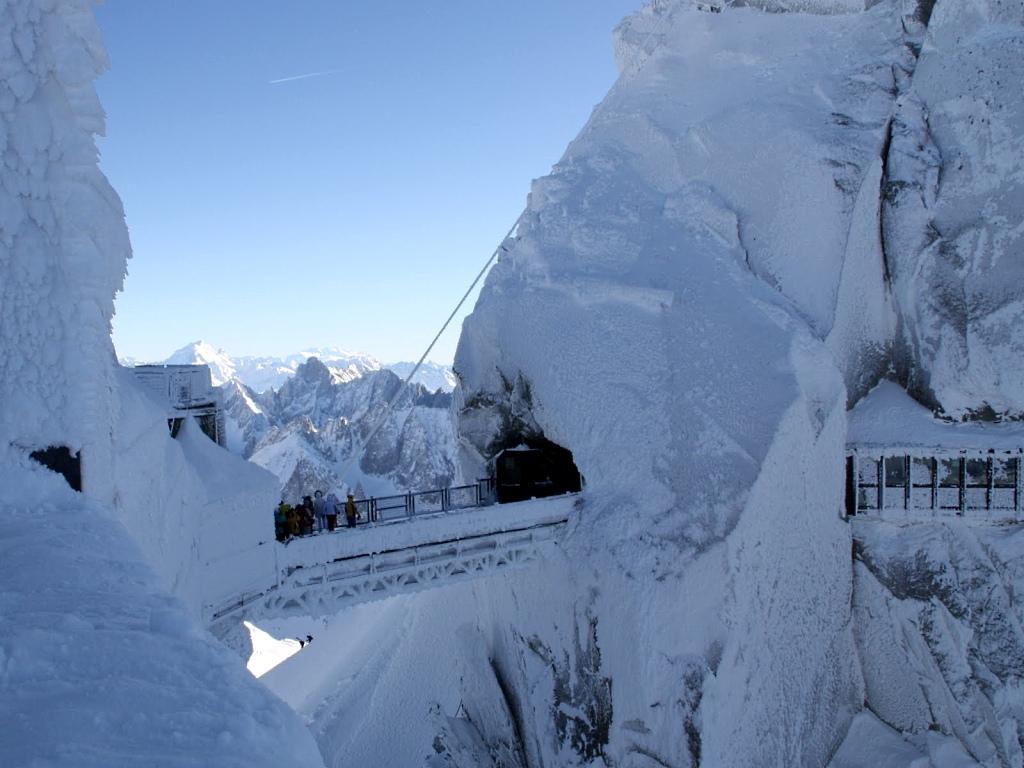 Pasaje en al llegada del teleferico de l'Aiguille du Midi