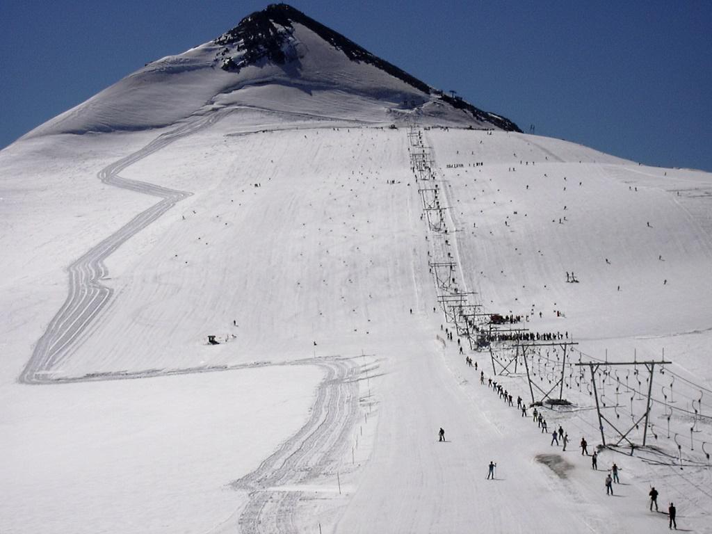 Imagen del glaciar del Passo Stelvio en pleno mes de julio