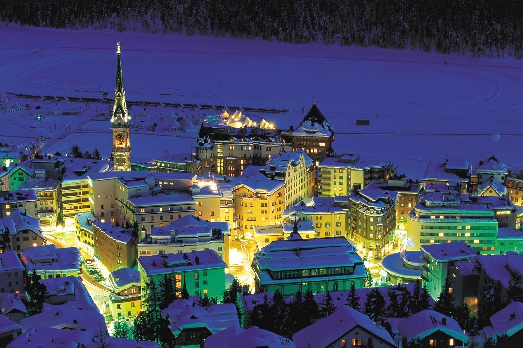 Imgen nocturna de St.Moritz
