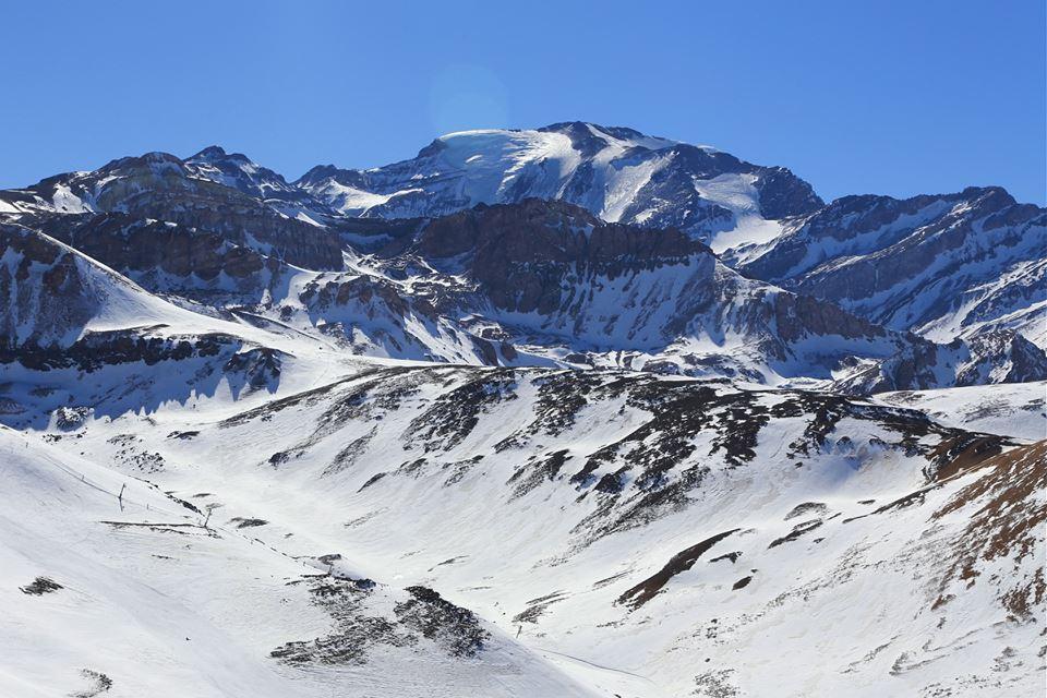 El Plomo Chile vista desde Valle Nevado. Fotografia Alex Flores Ramírez