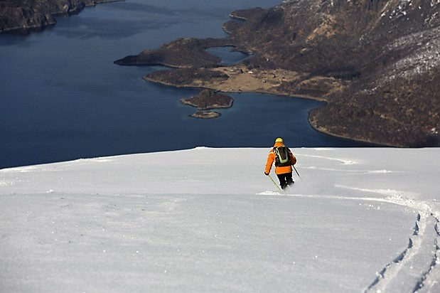 La exoeriencia merece la pena, los descensos en esquí de montaña en Noruega son espectaculares