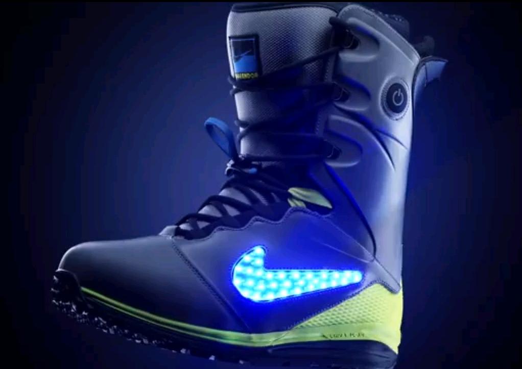 031e707e44893 Tecnología LED para las nuevas botas Nike Snowboard