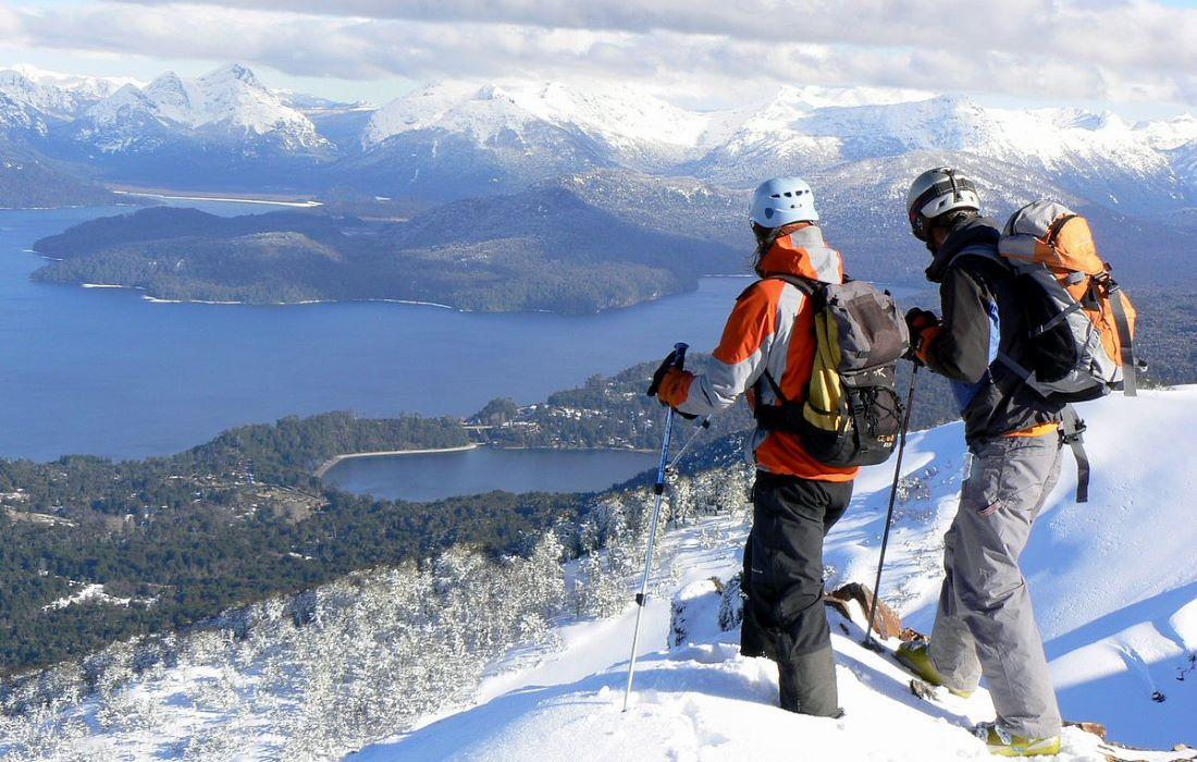 El invierno llega a Argentina, descubre las 5 joyas andinas donde esquiar  lejos de la masificación   Lugares de Nieve